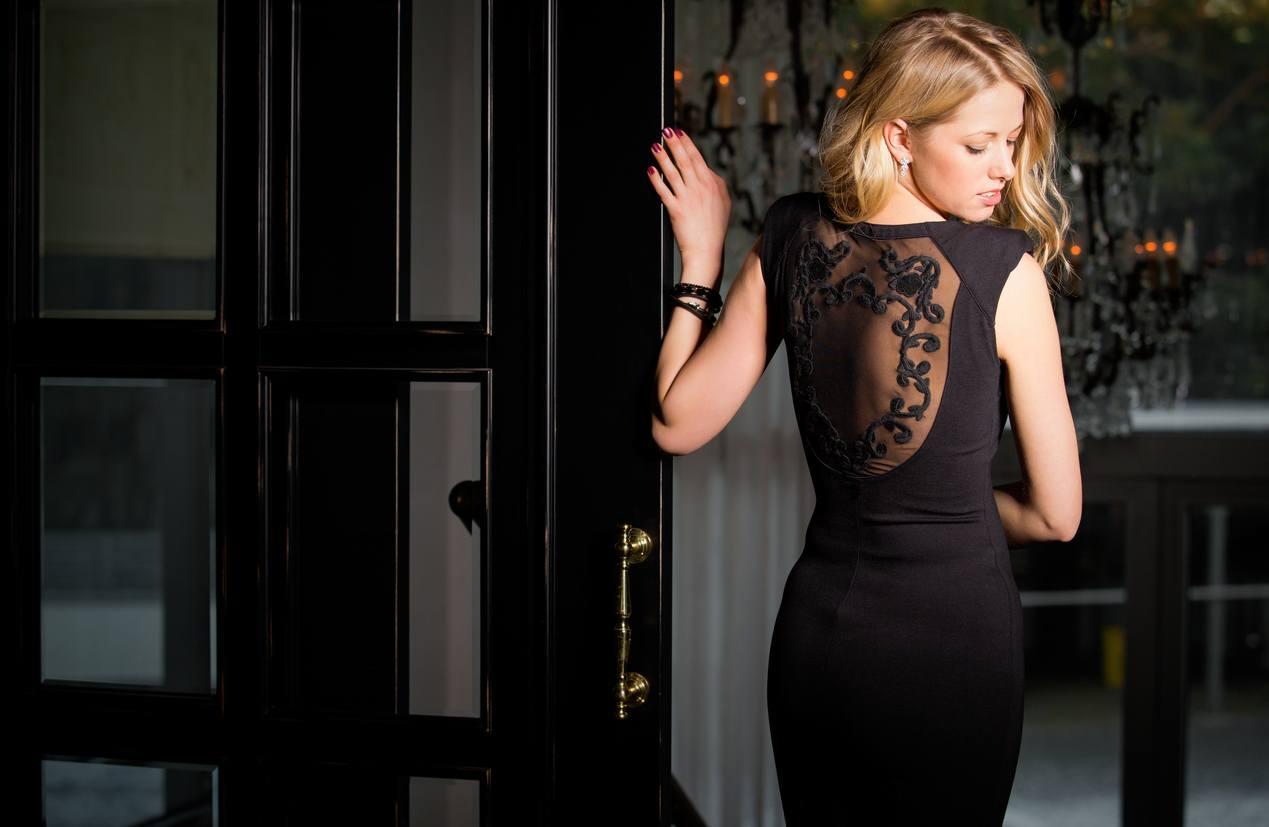 robe de cocktail noire sexy