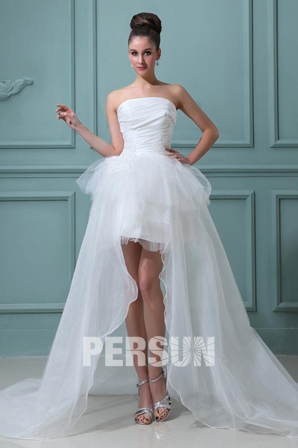 Robe de mariée bustier à jupe évasée